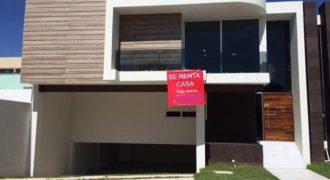 01248 SE RENTA CASA EN RESIDENCIAL ALTARIA, AGS.