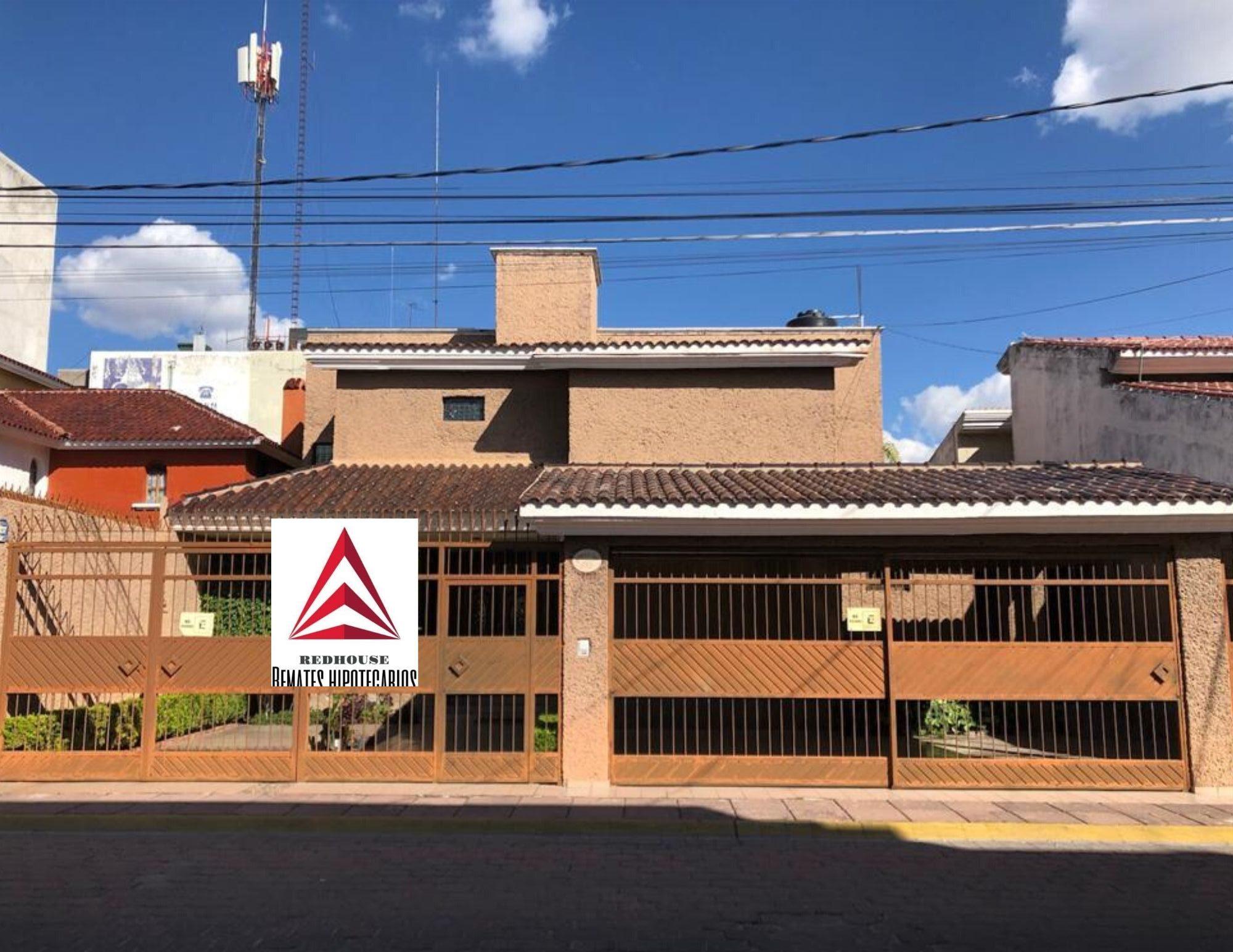01356 Se Vende Casa en Bosques del Prado Sur.