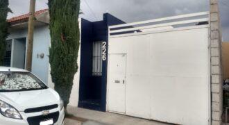 01593 SE VENDE CASA EN FRACCIONAMIENTO LOS ANGELES.