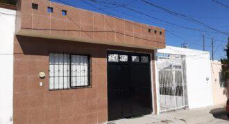 01742 SE VENDE CASA EN VILLAS DE NUESTRA SEÑORA DE LA ASUNCIÓN.