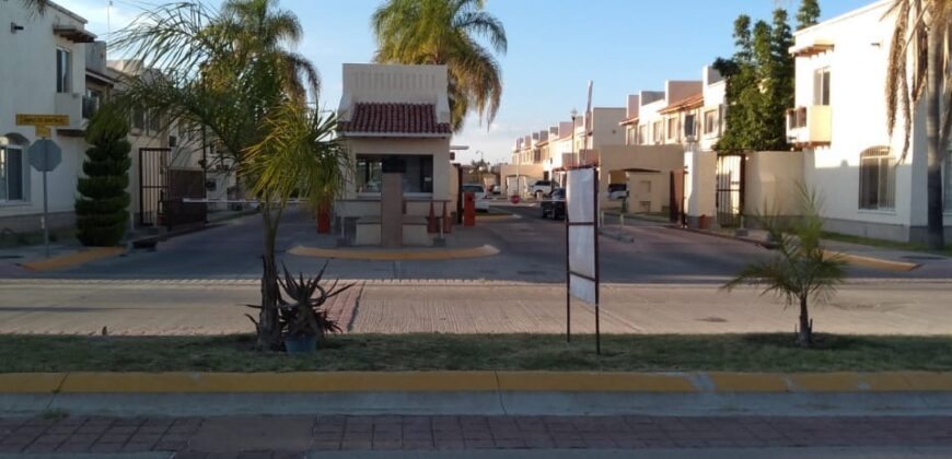 01803 SE VENDE TERRENO EN CONDOMINIO LA RIOJA, AGUASCALIENTES.